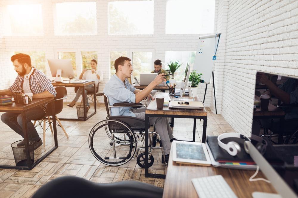 Amenagement de bureau pour travailleur handicapé